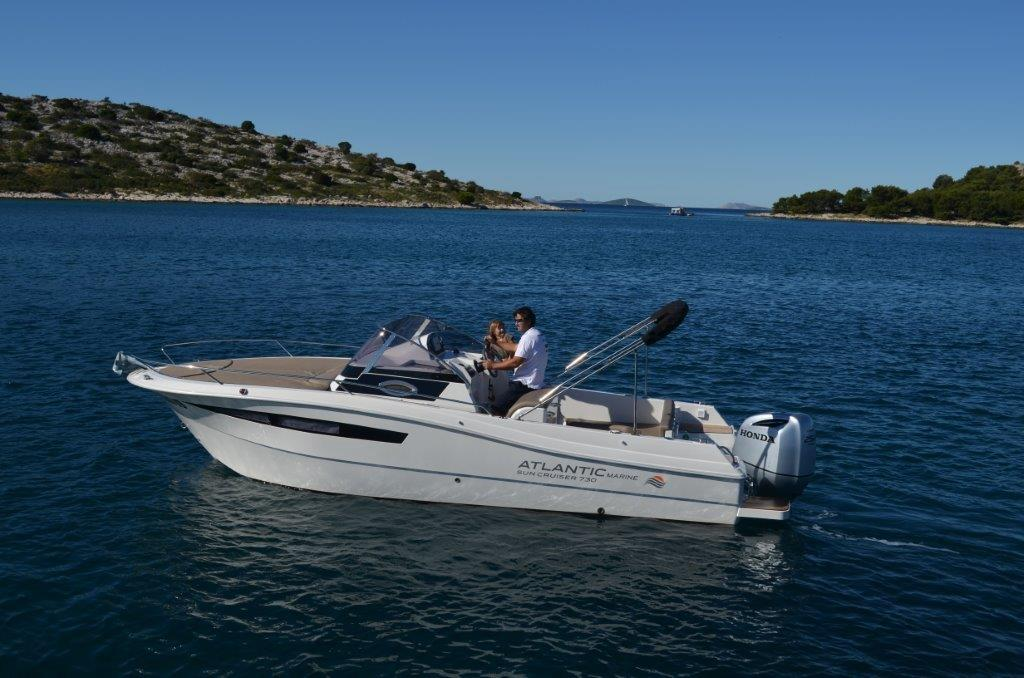 Atlantic 730 Sun Cruiser 2016 - Rent a Boat Angelino Tribunj